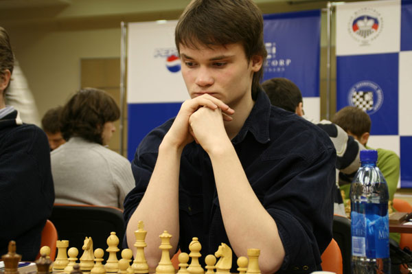 http://www.chesspro.ru/_images/materials/2008/aeroflot142.jpg